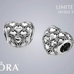 The new PANDORA Club Charm + Summer Collection!